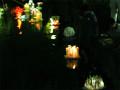 子どもたちのLED灯籠流し