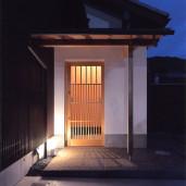 嵯峨釈迦堂の家 ポーチ・玄関