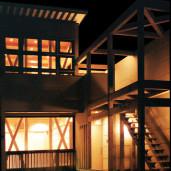 花階段のある家