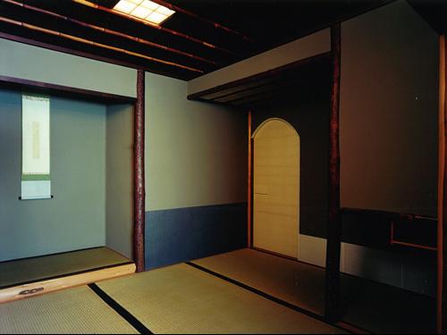 上賀茂の茶室 (上賀茂景観界隈地区に建つ近郊農家の茶室(広間・小間・水屋・立礼席等を含む))